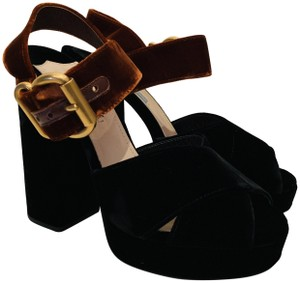 746b4bad2c951 Gucci Crystal Bow Removable Patent Leather Sandals Size EU 35.5 ...