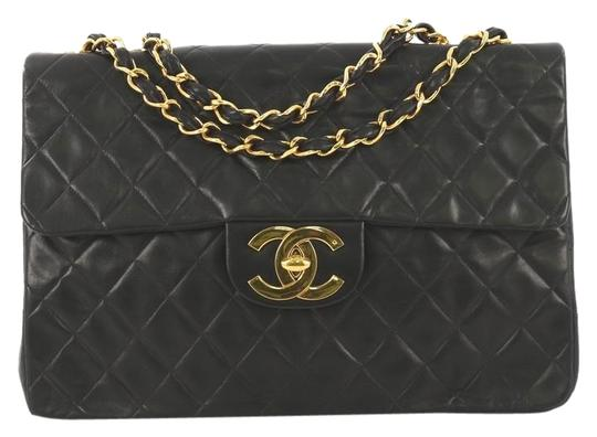 Preload https://img-static.tradesy.com/item/25676690/chanel-classic-flap-vintage-classic-single-quilted-maxi-black-lambskin-leather-shoulder-bag-0-1-540-540.jpg