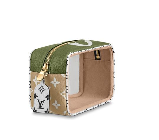 Louis Vuitton Pouch Summer 2019 Limited Edition Giant Monogram Green Beach Bag Image 1