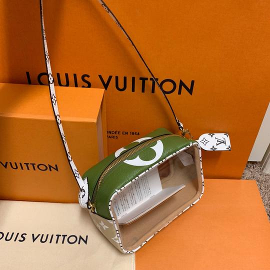 Louis Vuitton Pouch Summer 2019 Limited Edition Giant Monogram Green Beach Bag Image 3