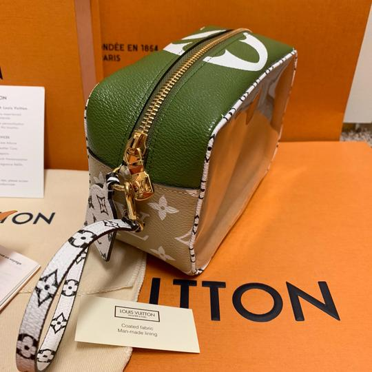 Louis Vuitton Pouch Summer 2019 Limited Edition Giant Monogram Green Beach Bag Image 6