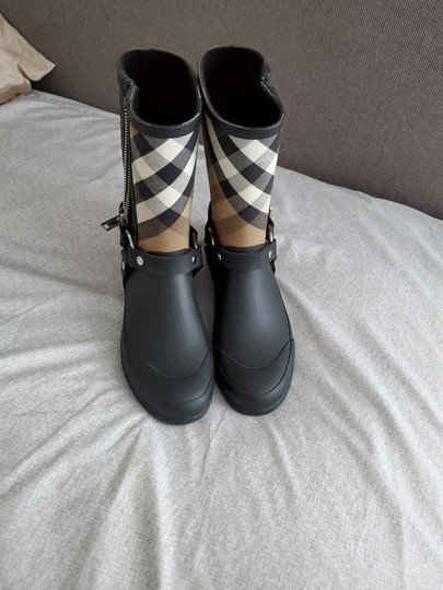 Burberry Black Boots Image 7