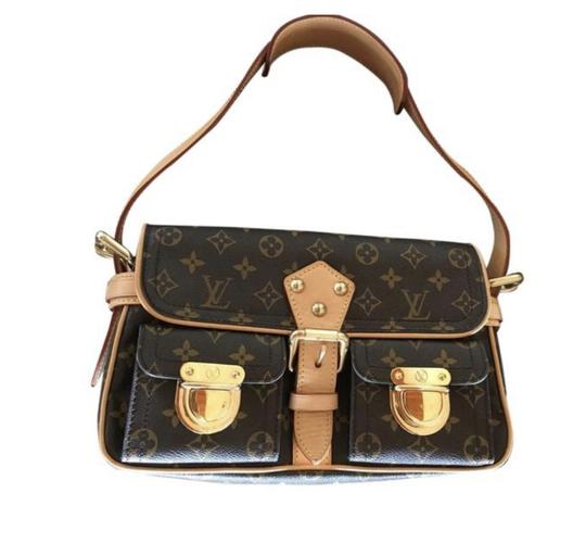 Preload https://img-static.tradesy.com/item/25679548/louis-vuitton-hudson-pm-monogram-shoulder-bag-0-0-540-540.jpg