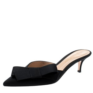 Gianvito Rossi Pointed Toe Leather Black Sandals