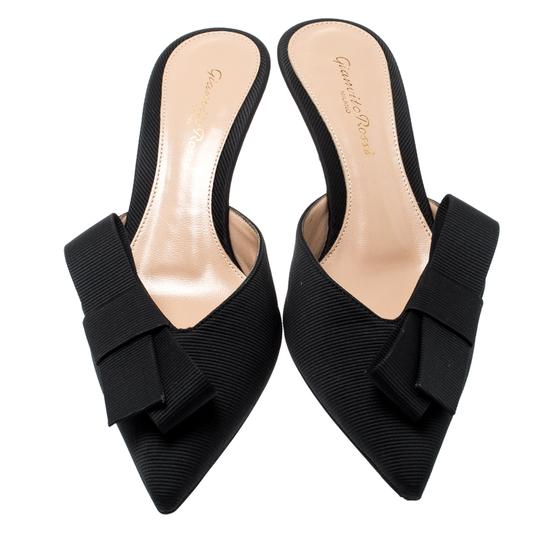 Gianvito Rossi Pointed Toe Leather Black Sandals Image 3