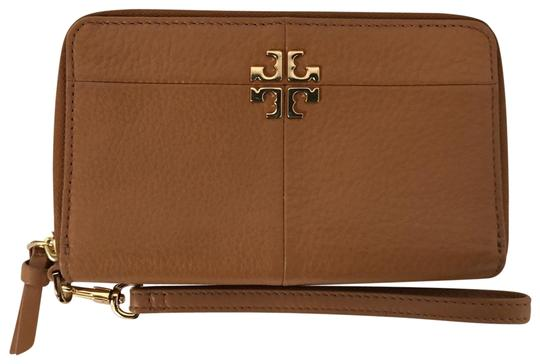 Preload https://img-static.tradesy.com/item/25679930/tory-burch-tan-smartphone-wristlet-wallet-0-2-540-540.jpg