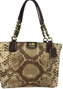 0ccfd032b5534 Coach Bags and Purses on Sale - Up to 70% off at Tradesy