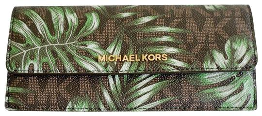 Preload https://img-static.tradesy.com/item/25680867/michael-kors-brown-olive-flat-jet-set-travel-wallet-0-2-540-540.jpg