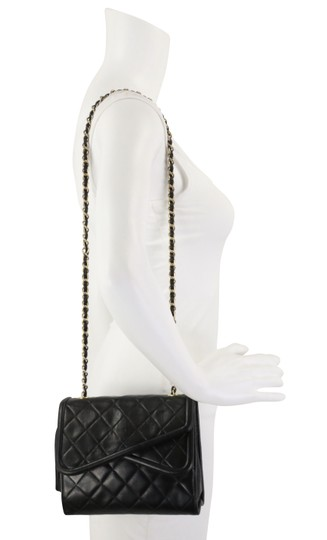 Chanel Crossbody Lambskin Shoulder Bag Image 11