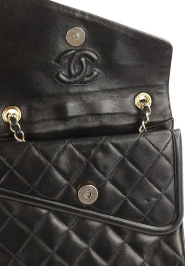 Chanel Crossbody Lambskin Shoulder Bag Image 7