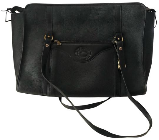 Preload https://img-static.tradesy.com/item/25684290/dooney-and-bourke-briefcase-black-leather-messenger-bag-0-1-540-540.jpg