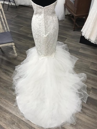 Casablanca Ivory Lace with Tulle At Bottom 2129 Sexy Wedding Dress Size 10 (M) Image 3