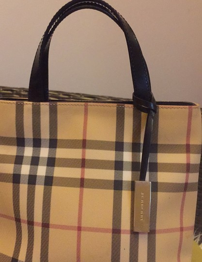 Burberry Tote in black leather Image 3