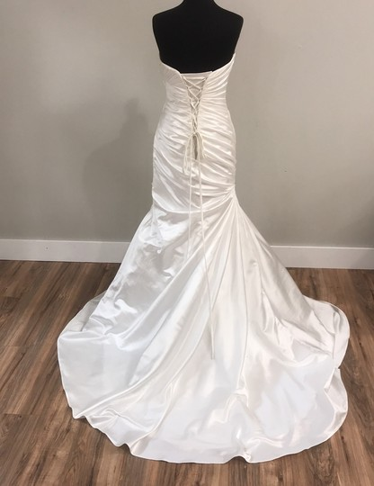 Maggie Sottero Ivory Traditional Wedding Dress Size 8 (M) Image 2