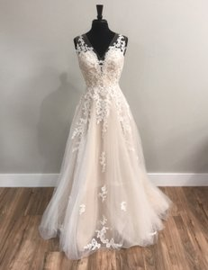 Maggie Sottero Ivory/Champagne Rebecca Ingram By 8691 Traditional Wedding Dress Size 8 (M)