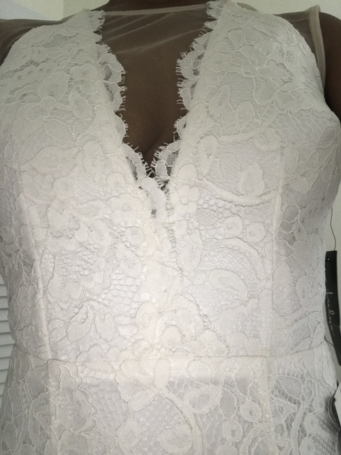 Item - Off White Lace Mermaid Style Sexy Wedding Dress Size 4 (S)