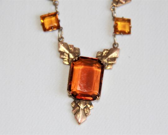 CZECH AMBER Vintage Art Deco Style Czech Amber Glass and Stamped Brass Necklace. Image 2