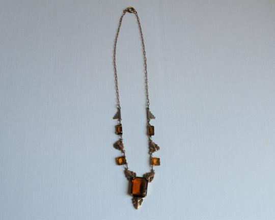CZECH AMBER Vintage Art Deco Style Czech Amber Glass and Stamped Brass Necklace. Image 4