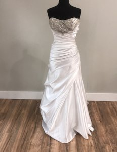 Alfred Angelo White 2010 Traditional Wedding Dress Size 10 (M)