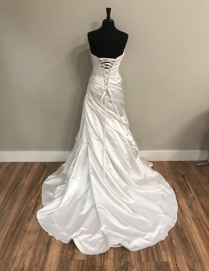 Alfred Angelo White 2010 Traditional Wedding Dress Size 10 (M) Image 2