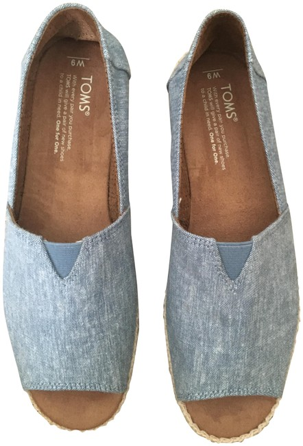 TOMS Denim Blue Espadrilles Flats Size US 9 Regular (M, B) TOMS Denim Blue Espadrilles Flats Size US 9 Regular (M, B) Image 1