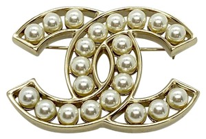 Chanel Brand New Large Pearl Bubble Gold CC Pin