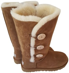 87661795358 UGG Australia Tan Bailey Button Classic Short Suede Boots/Booties ...