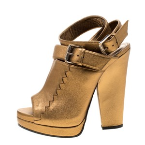 Bottega Veneta Metallic Leather Peep Toe Platform Gold Sandals