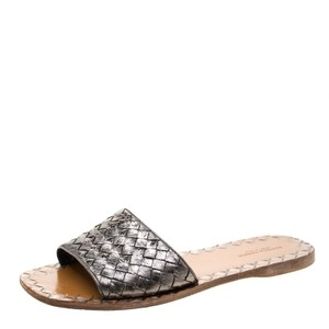 Bottega Veneta Leather Flat Metallic Sandals