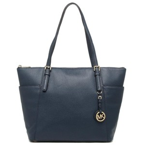 Michael Kors Jet Set Item East West Snap Pocket Jet Set Travel Tote in navy