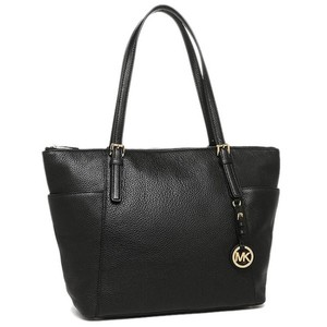 Michael Kors Jet Set Item East West Snap Pocket Jet Set Travel Tote in black