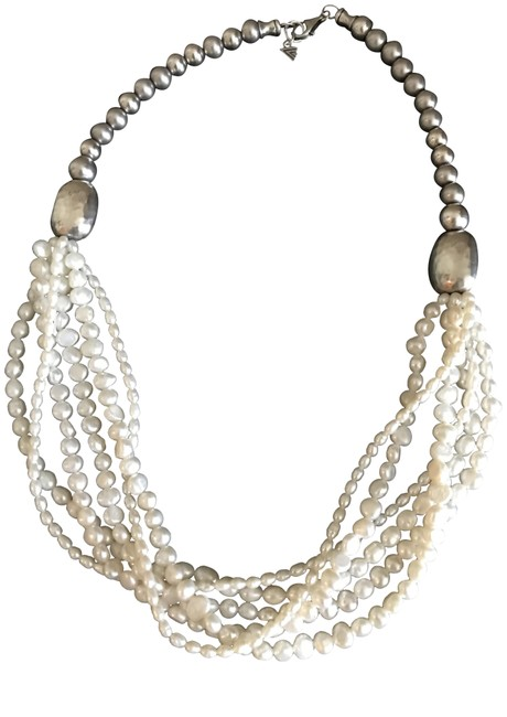 Item - Silver/Pearl N1565 Necklace