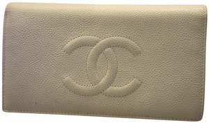 Chanel Chanel Silver Caviar Leather Wallet