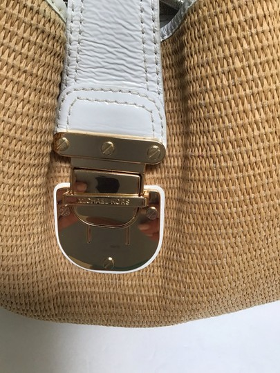 Michael Kors Tote in White patent leather trim/tan woven fabric Image 1