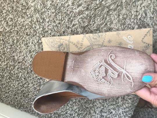 Free People silver Flats Image 1