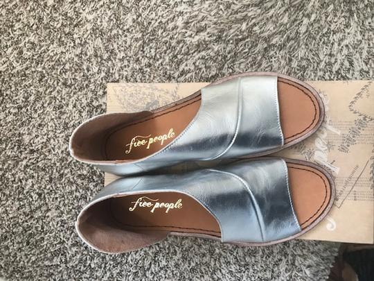 Free People silver Flats Image 3