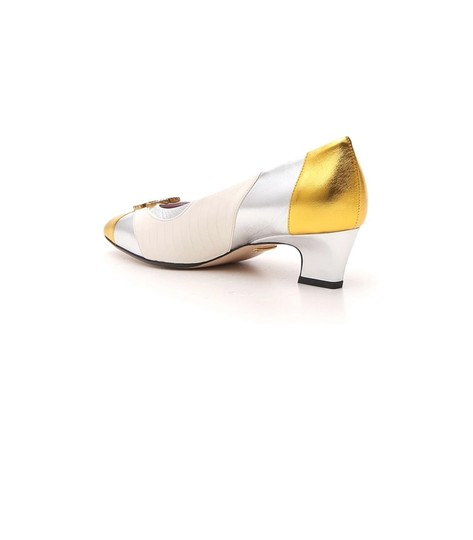 Gucci Gold Pumps Image 2