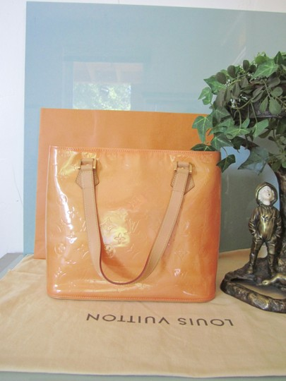 Louis Vuitton Vernis Houston Patent Leather Tote in Peach Image 2