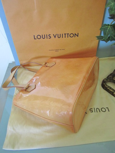 Louis Vuitton Vernis Houston Patent Leather Tote in Peach Image 6