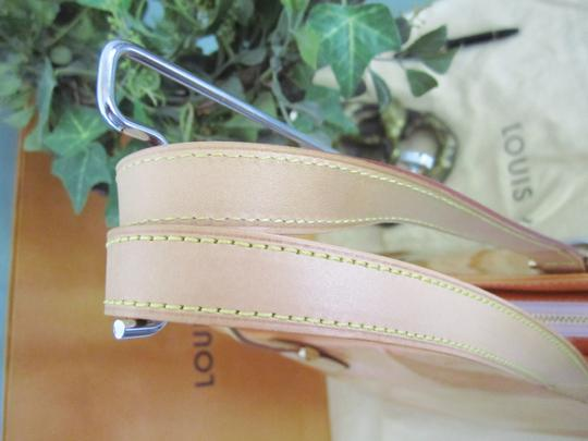 Louis Vuitton Vernis Houston Patent Leather Tote in Peach Image 9