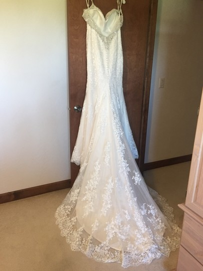 Moonlight Bridal Ivory Lace Couture - J6401 - New Sexy Wedding Dress Size 8 (M) Image 4