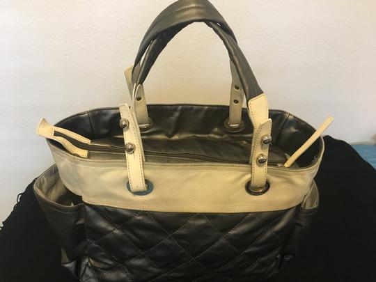 Chanel Tote in Silver white Image 4
