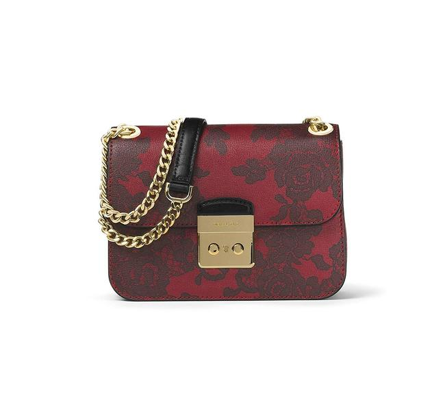 Item - Shoulder Sloan Lace Medium Chain In Cherry Leather Cross Body Bag