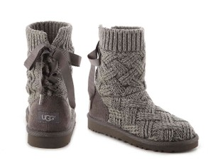 e953bd011ee Women's UGG Australia Shoes