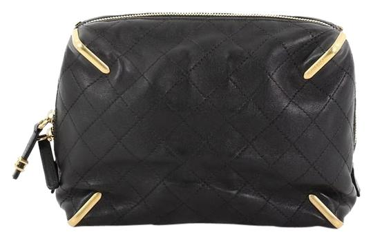 Preload https://img-static.tradesy.com/item/25694071/chanel-paris-cosmopolite-zip-quilted-lambskin-small-black-clutch-0-1-540-540.jpg