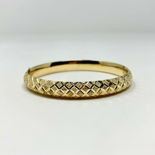 Other 14k Yellow Gold Etched Diamond Cut Fancy Bangle Bracelet 7 Inches Image 2