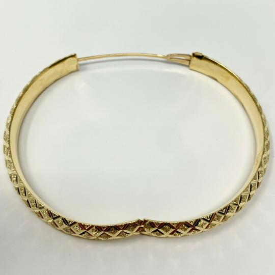 Other 14k Yellow Gold Etched Diamond Cut Fancy Bangle Bracelet 7 Inches Image 4