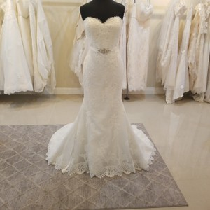 Pronovias Off White Lace Savila Traditional Wedding Dress Size 12 (L)
