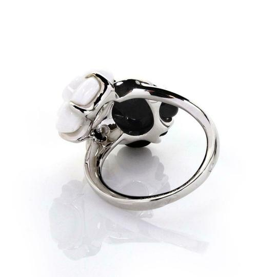 Chanel Camellia Diamonds Carved Onyx & Agate 18k White Gold Floral Ring Image 3