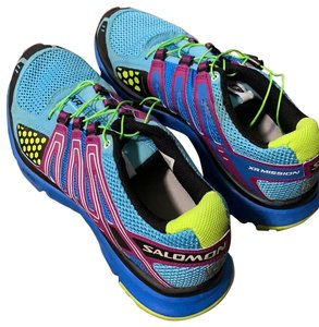 Salomon Sneakers Regular (M, B) Up to 90% off at Tradesy